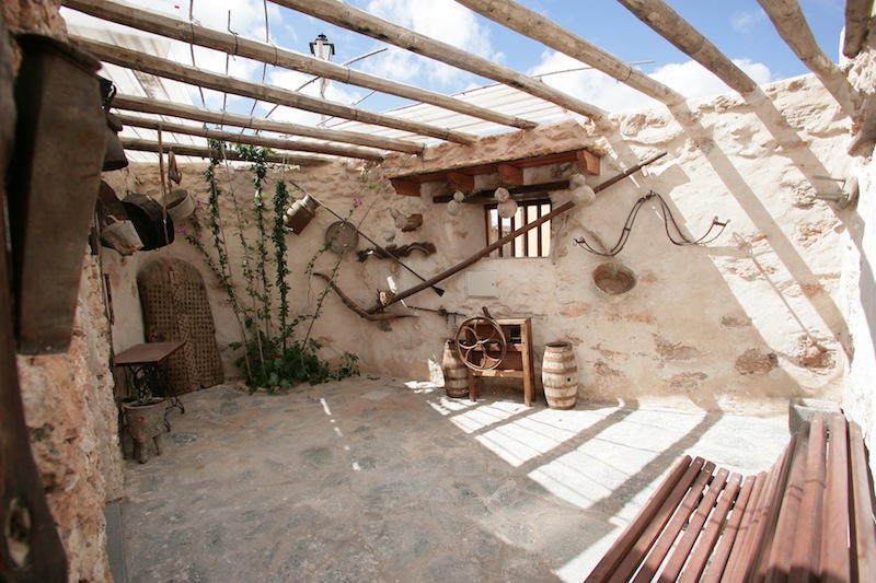 Patios rusticos de casas cheap perfect free azulejos para bao tolucapiso rustico cochera jardin - Azulejos rusticos para patios ...